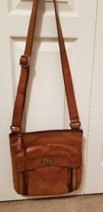Ladies Fossil Leather Purse.