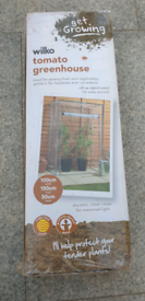 Wilko Tomato Greenhouse Outdoor Garden Green House Frame and Plastic