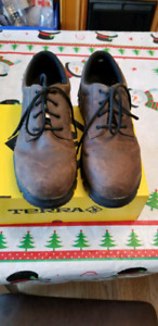 Mens size 11 Steel Toed Shoes