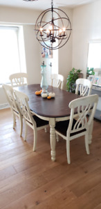 Gorgeous Dining Table Set + 6 Chairs