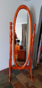 Chiffel Mirror