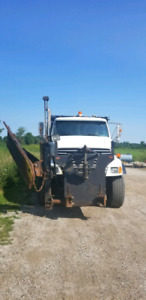 2001 LT9500 STERLING TANDEM DUMP TRUCK WITH SNOW PLOW  WING