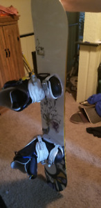 SNOWBOARD & BOOTS