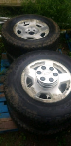 4 chevy/ gmc rims with tires