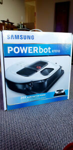 SAMSUNG POWERbot R7010 BRAND NEW