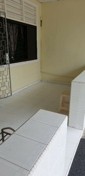 Terrace for rent short or long term in Jan 2022