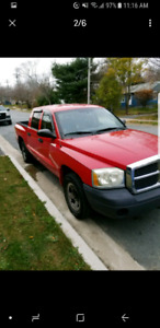 2005 dodge Dakota quad cab. Has mvi