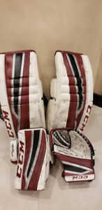 CCM Custom Pro Eflex 2 34+1 goalie pads, blocker and trapper