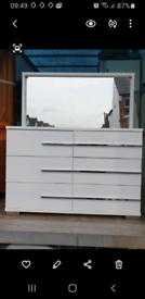 Dogtas mirrored chest of drawers