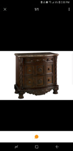 Looking for northshore bedside table..
