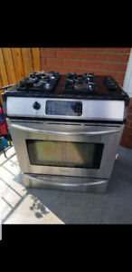 Kenmore PROF Series Gas Stove