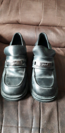 Girls black pod shoes size 7/40