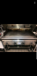 Garland 4ft commercial has grill