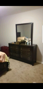 Bed chests with mirror