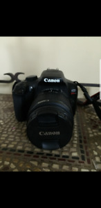 Canon Rebel T6 MINT condition