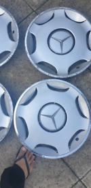 Mercedes wheel cap