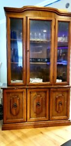 Beautiful China Oak Cabinet excellent condition