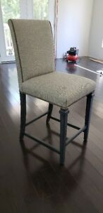 SET OF 3 KITCHEN ISLAND/ BAR STOOLS   NEW IN BOX, NEVER USED!!!!