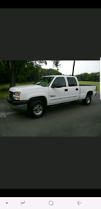 Looking for truck /white Chevrolet duramax