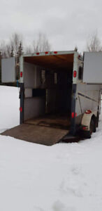 2003 Belore 3 horse Slant Horse trailer