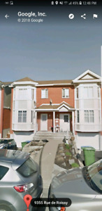 Maison de ville à Brossard près du Costco