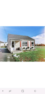 Cornerlot Single Detached Bungalow For Rent