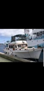 REDUCEĎ PRIÇE ..44' Marine Trader Power Boat