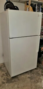 VERY CLEAN WHITE WHIRLPOOL 2-DOOR FRIDGE FOR SALE