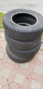set of Hankook Winter IPike Rc01 205/70R15