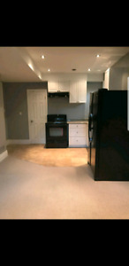 AURORA BASEMENT APARTMENT FOR RENT CLOSE TO YONGE & WELLINGTON