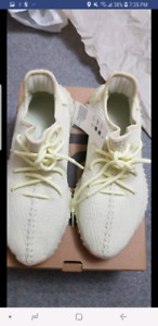 YEEZY BUTTER SIZE 8.5 DS