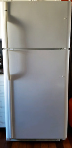 Cheap price  Kenmore Fridge with top freezer