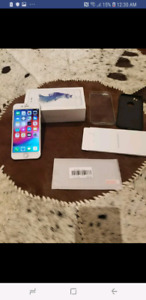 LNIB 10/10 iPhone 6s 64g Unlocked with LOTS OF EXTRAS!