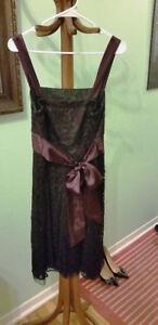 Robe chic de couleur bourgogne de grandeur 12 ans