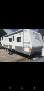 Quad Bunk trailer on leased lot for sale