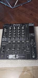 Pioneer DJM 800 4 Channel Mixer (DJ Equipment)
