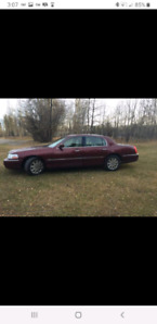 Mint 2003 Lincoln Town Car $5500 OBO