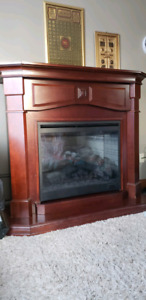 ELECTRIC FIREPLACE WITH INSERT