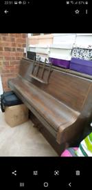 Monington & Weston piano