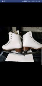 Good used condition glacier figure skates by jackson