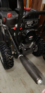 ALMOST NEW BRIGGS AND STRATTON SNOWBLOWER FOR SALE/RECEIPT