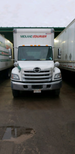 2016 Hino 338 just 212k new box and tailgate + warranty
