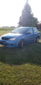 2007 ford focus 5 speed---- SOLD----