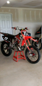 2004 cr 250r MINT, tons of addons