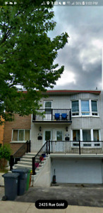 Huge and bright 5 1/2 main floor duplex near highway acces