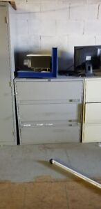 CLASSEURS 3 TIRROIRS / 3 DRAWER FILE CABINETS