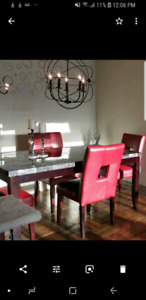 Beautiful dining table. You can make me an offer!!!