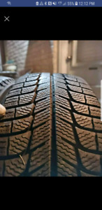 Pair of Michelin X-ice 3 215/65/17