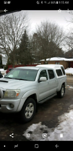 Great condition- 2006 Toyota Tacoma 4x4 4 door