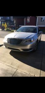 Chrysler 200 2011 low kms